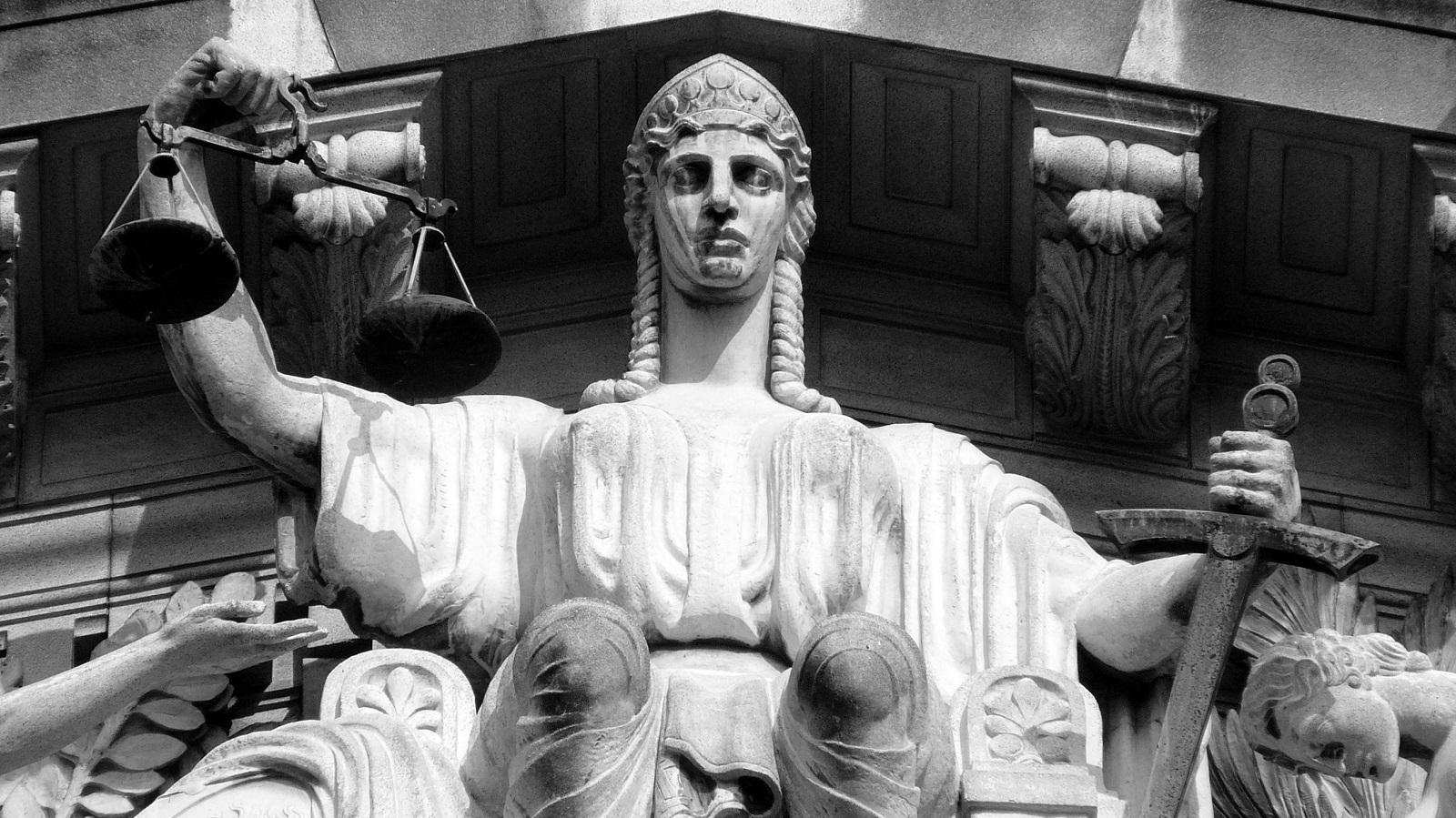 Coaching, justice et droit